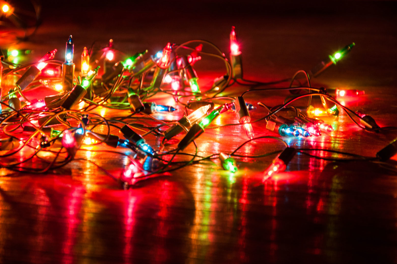 Everybody's biggest gripe about holiday decorations? Those strings of lights that mysteriously tangle themselves between seasons. (Thinkstock)