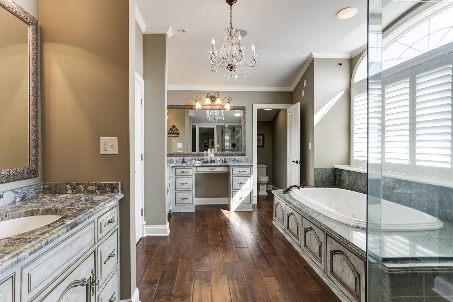 A look at the luxurious master bathroom. (Courtesy HomeVisit)