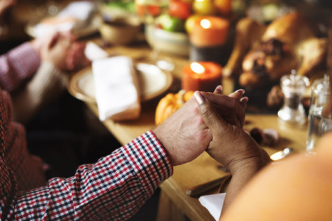 Turkey, pie and a side of family dysfunction: Tips for dealing with Thanksgiving stress
