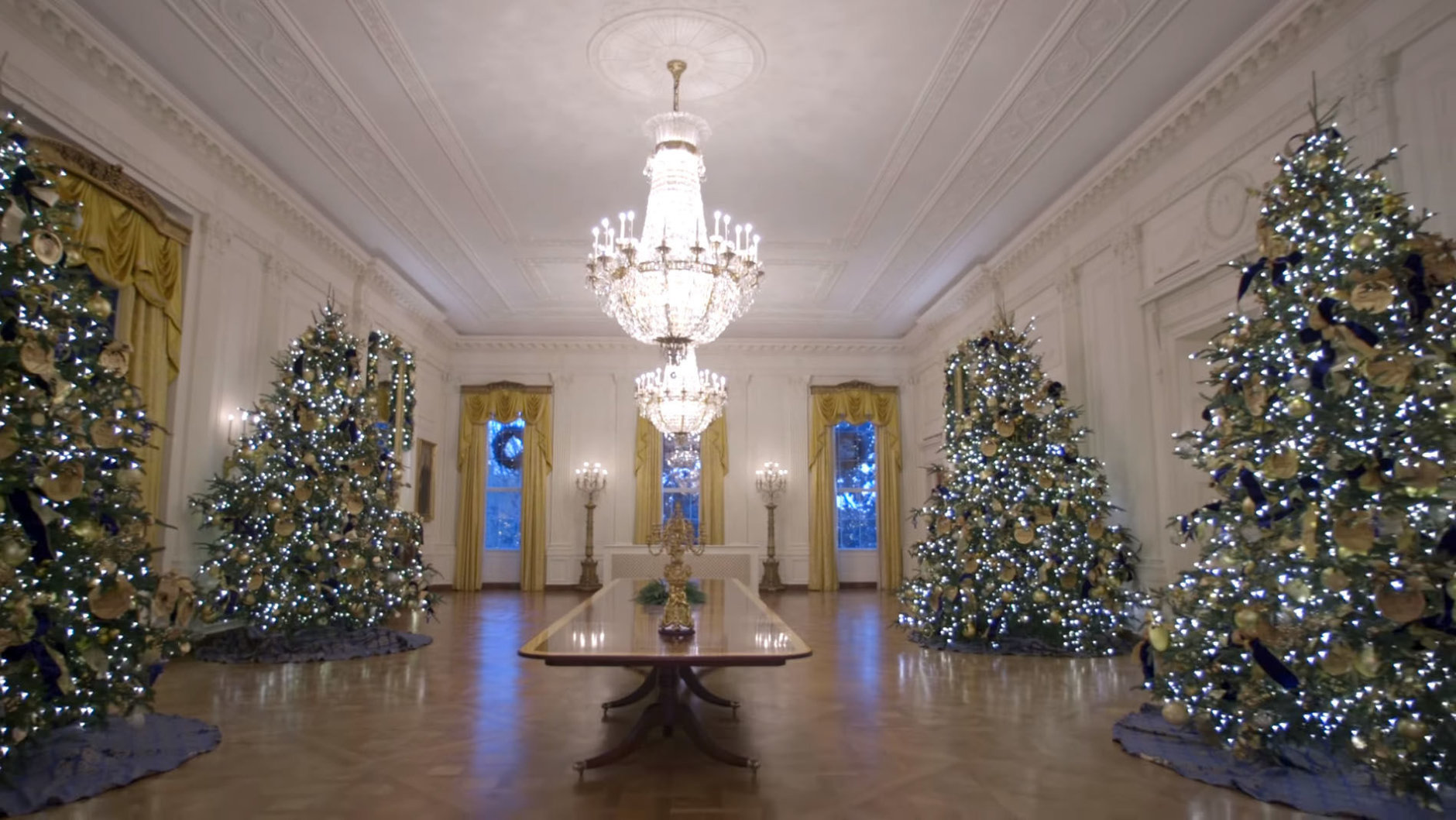 Christmas House Decor.Photos First Lady Unveils White House 2018 Christmas
