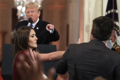 White House bans CNN reporter after confrontation with Trump
