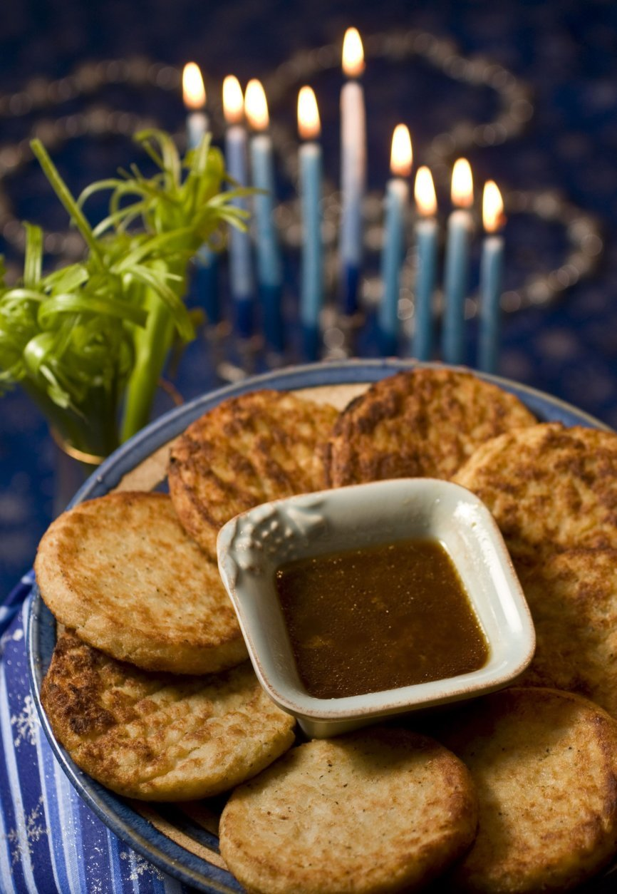 **FOR USE WITH AP LIFESTYLES**    Latkes with Asian Dipping Sauce and Scallion Brushes is seen in this Sunday, Nov. 16, 2008 photo.  If the mess that often comes with frying latkes keeps you from enjoying them during Hanukkah look for the frozen variety that crisp up nicely in the oven.    (AP Photo/Larry Crowe)