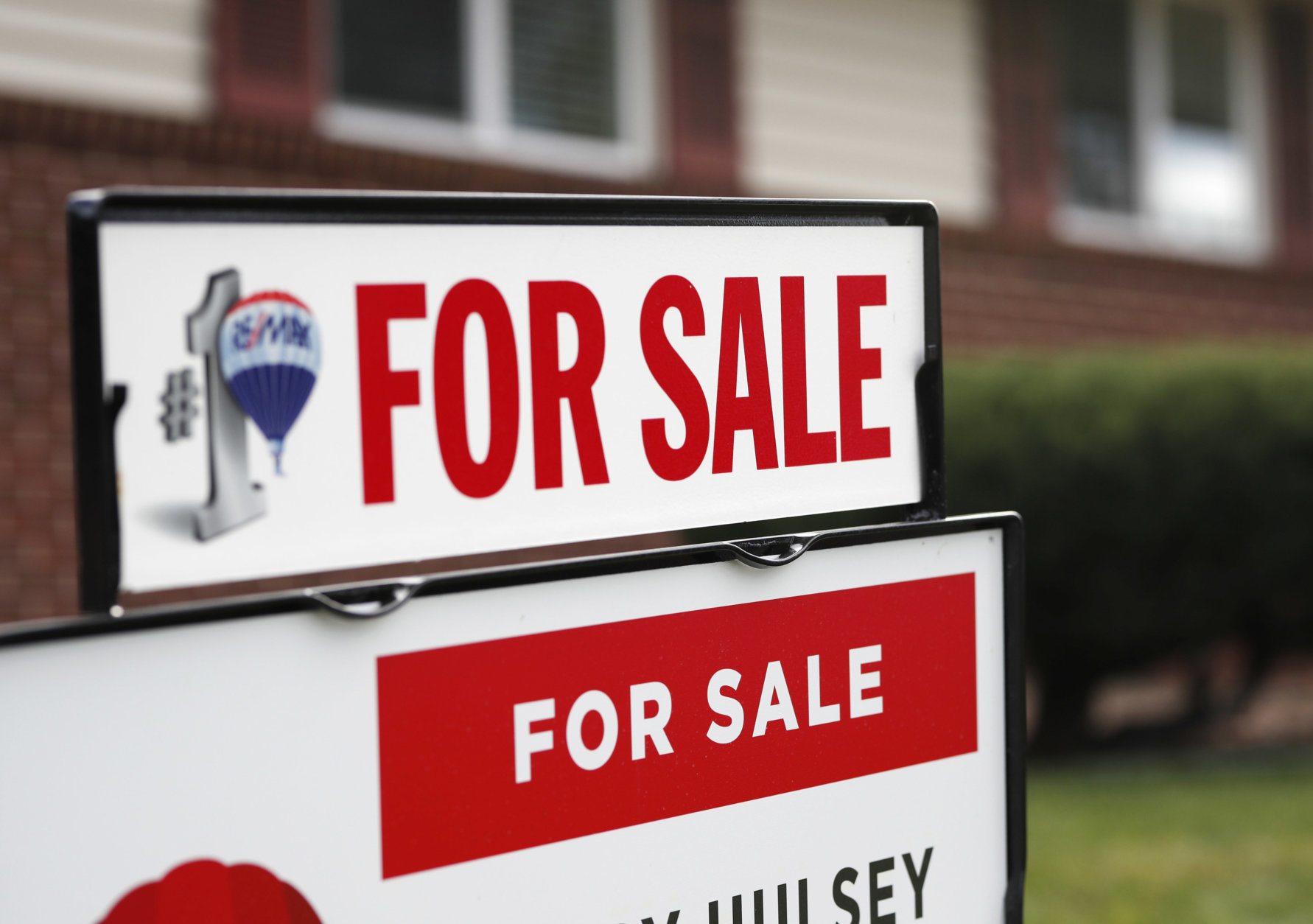 """Mortgage rates fell to the lowest level in nine months, and in response, mortgage applications jumped more than 20 percent,"" said Freddie Mac chief economist Sam Khater. (AP Photo/David Zalubowski)"
