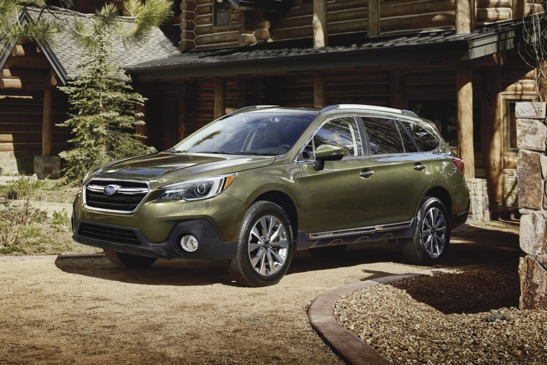 "<p>Subaru offers 0% financing for a limited term on the <a href=""https://cars.usnews.com/cars-trucks/subaru/outback"" target=""_blank"" rel=""noopener"">2019 Subaru Outback</a>.</p>"