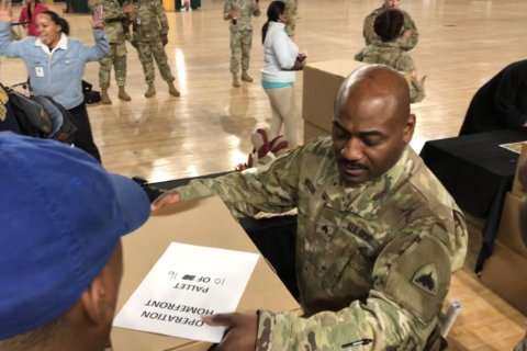 400 free Thanksgiving dinners mean more than full bellies to local military