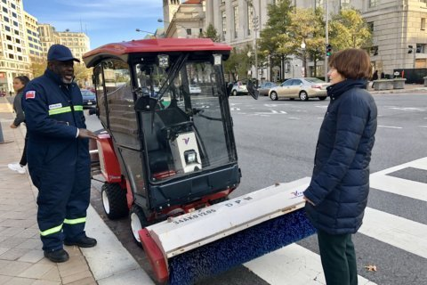 DC now has crews to clear bike lanes, wheelchair cuts after snow