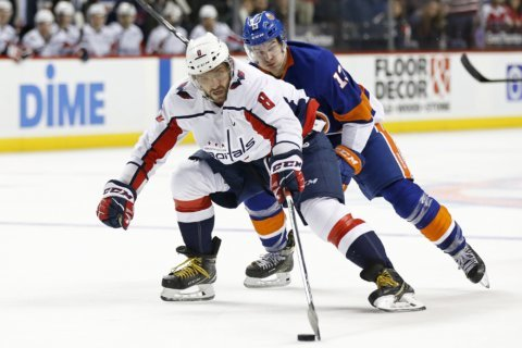 Capitals face off against former coach Barry Trotz, Islanders