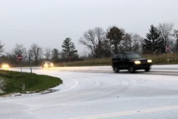 Snow is making for slippery conditions on Route 7 in Western Loudoun County. (WTOP/Neal Augenstein)