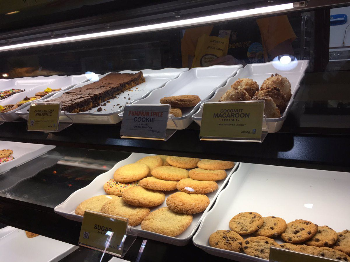 Sugar cookies, coconut macaroons and much more on display at the Nestle Toll House Cafe. (WTOP/Liz Anderson)
