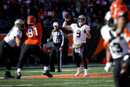 CINCINNATI, OH - NOVEMBER 11:  Drew Brees #9 of the New Orleans Saints throws a pass during the first quarter of the game against the Cincinnati Bengals at Paul Brown Stadium on November 11, 2018 in Cincinnati, Ohio. (Photo by Joe Robbins/Getty Images)