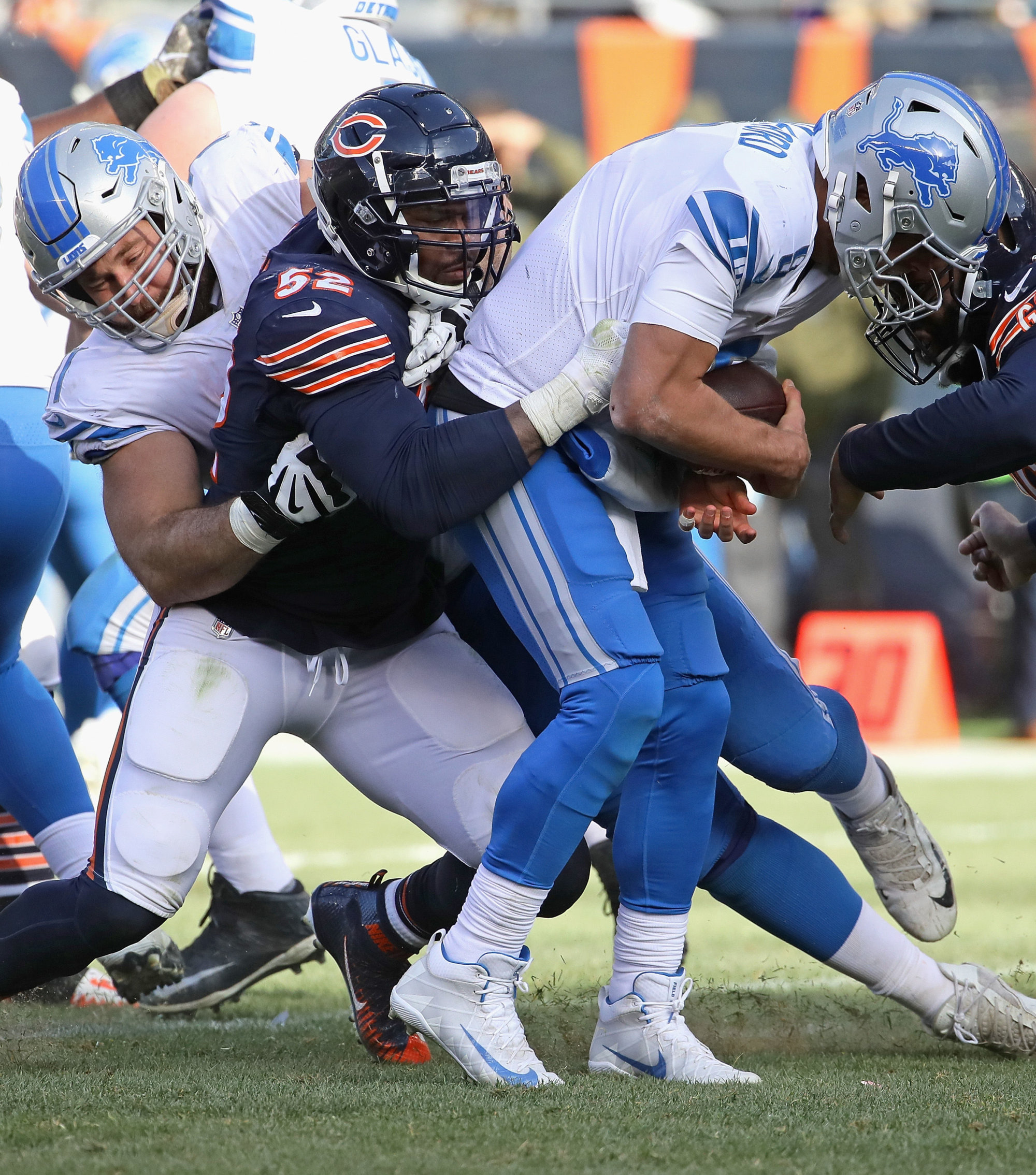 CHICAGO, IL - NOVEMBER 11:  Khalil Mack #52 of the Chicago Bears scks Matthew Stafford #9 of the Detroit Lions at Soldier Field on November 11, 2018 in Chicago, Illinois. The Bears defeated the Lions 34-22.  (Photo by Jonathan Daniel/Getty Images)