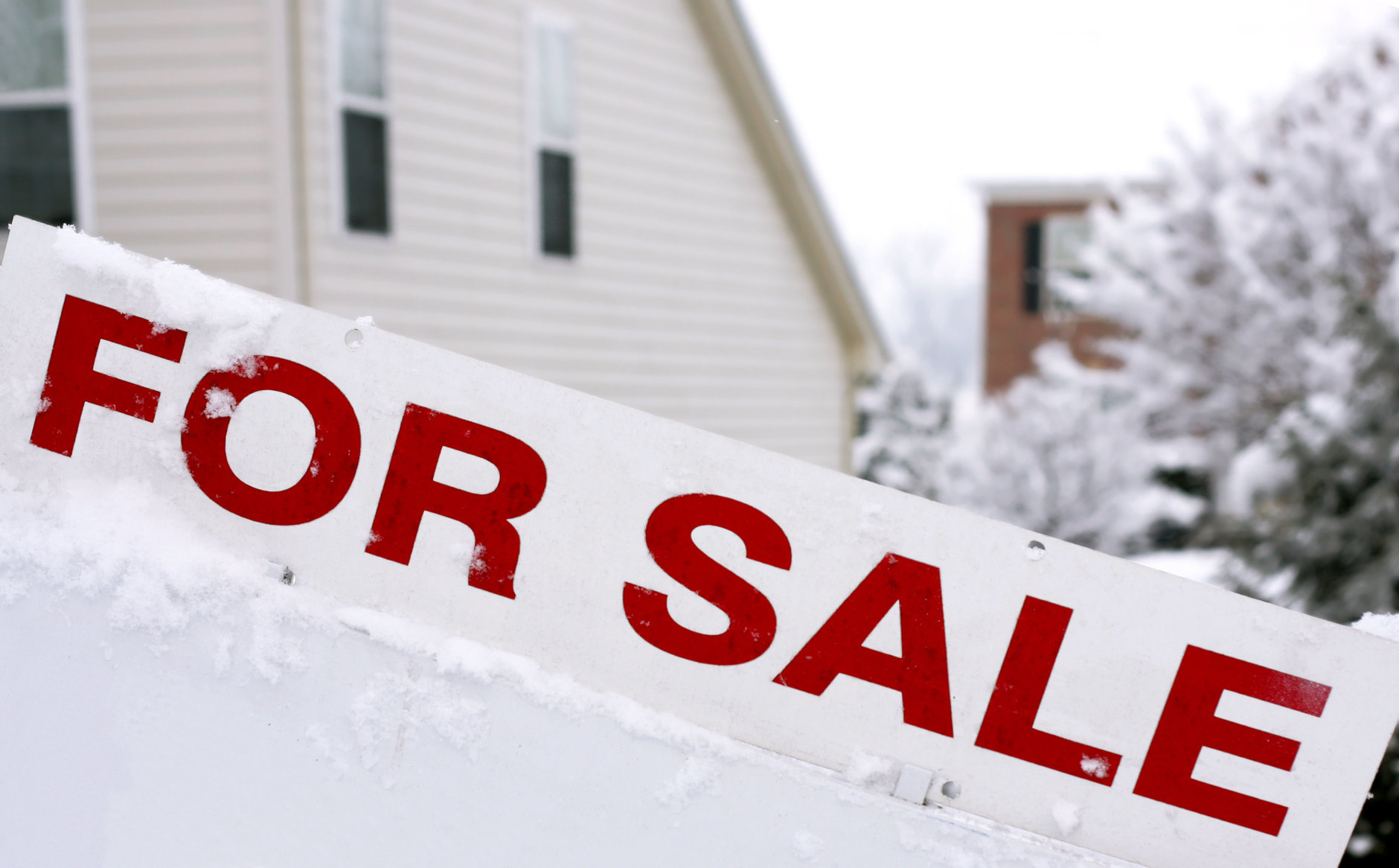 The housing market is hottest during the warmer months, but that doesn't mean the real estate world grinds to a halt each winter. (Getty Images)