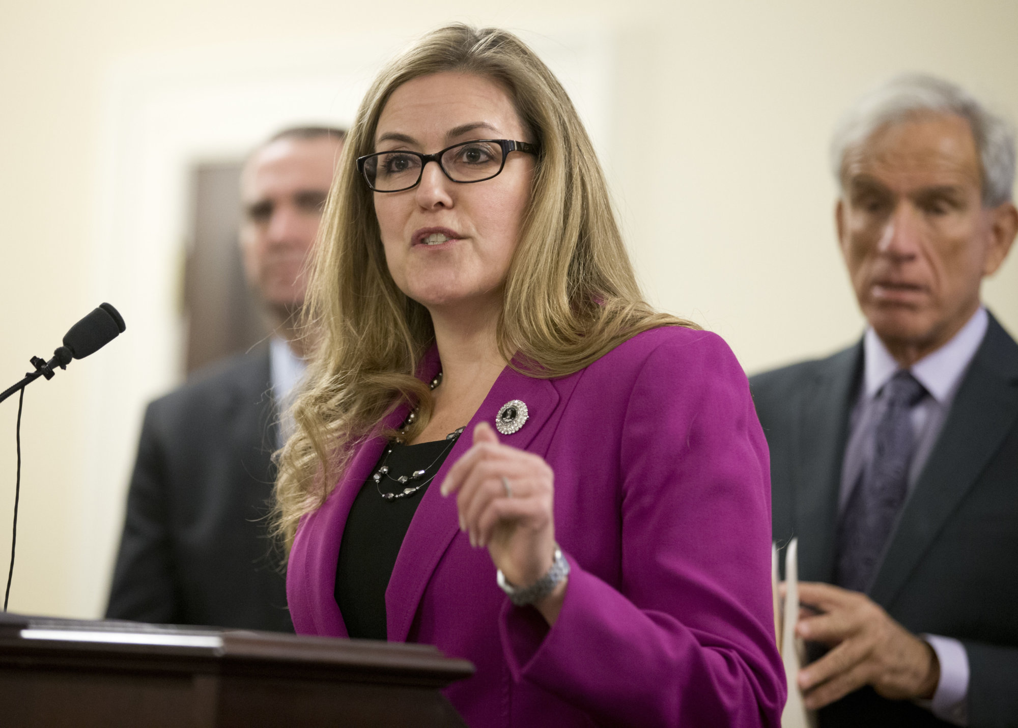 Va. Rep. Wexton addresses white nationalism, student debt during 1st town hall