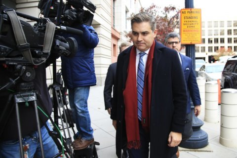 Judge delays ruling on CNN reporter's White House credential