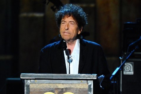 Can a long-running debate for Bob Dylan fans be settled?