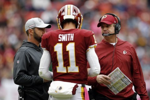 Redskins QB Alex Smith sheds leg brace 8 months after injury
