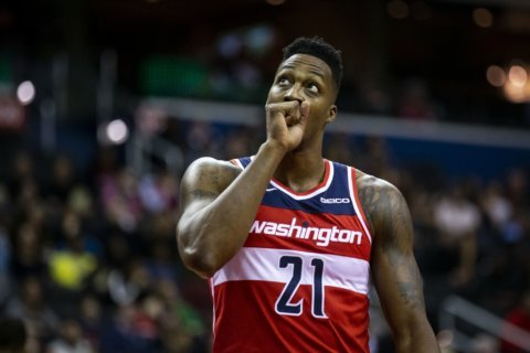 AP source: Wizards trade Howard to Grizzlies for Miles