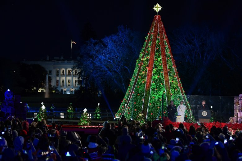Man Hospitalized After Climbing the National Christmas Tree Near the White House