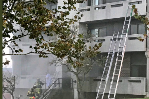 1 dead in Northeast DC fire at senior citizens high rise