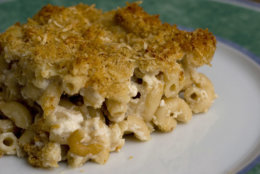 **FOR USE WITH AP LIFESTYLES** Comfort food does not have to also mean unhealthy. A few careful ingredient changes from the classic recipe gives this Macaroni and Cheese Light, shown on Jan. 29, 2008, the flavor you look for with much less fat. (AP Photo/Larry Crowe)