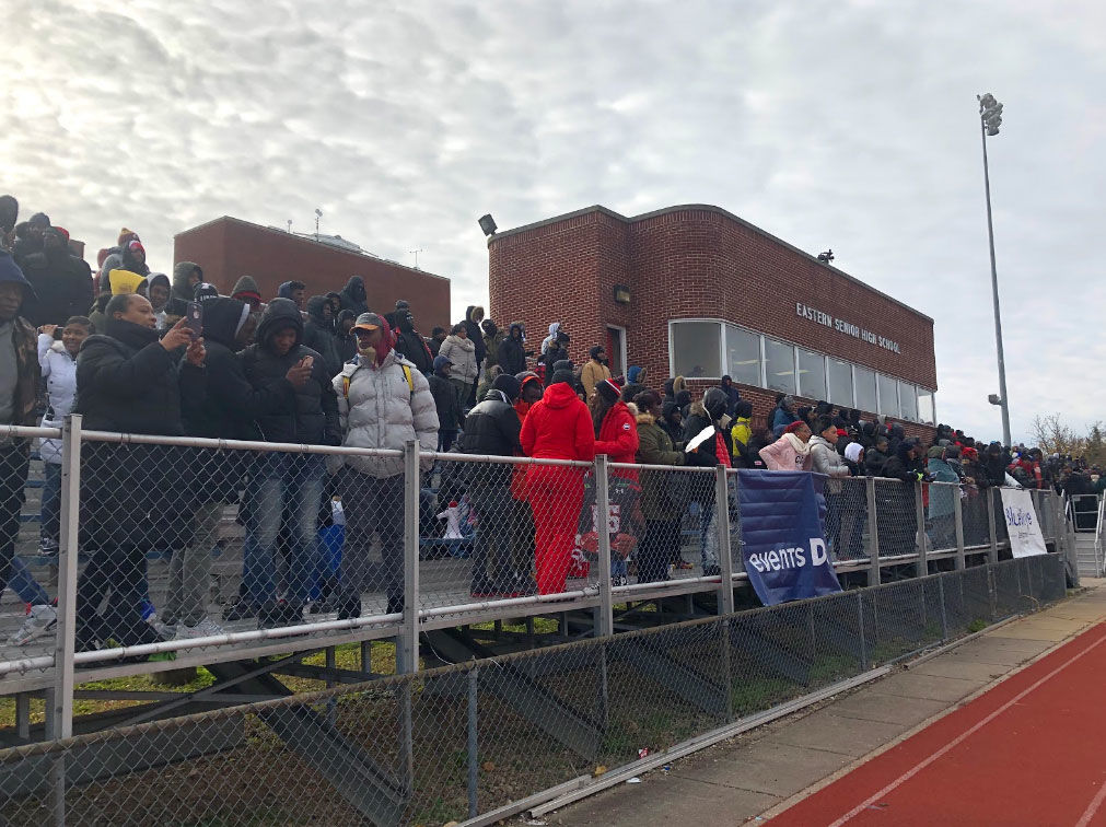 Despite a cold Thanksgiving morning, hundreds of faithful high school football fans braved the frigid temperatures for the 49th annual Turkey Bowl. (WTOP/Mike Murillo)