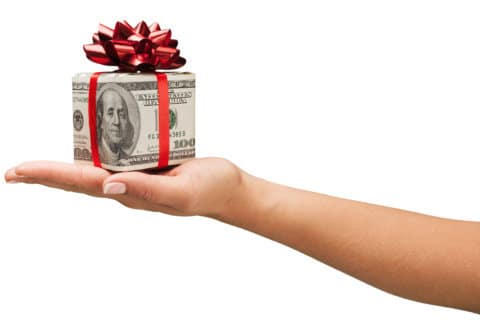 8 best gifts to give for an investment education