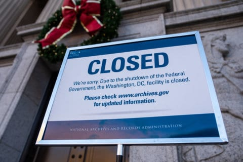 Federal workers get advice for paying bills during shutdown