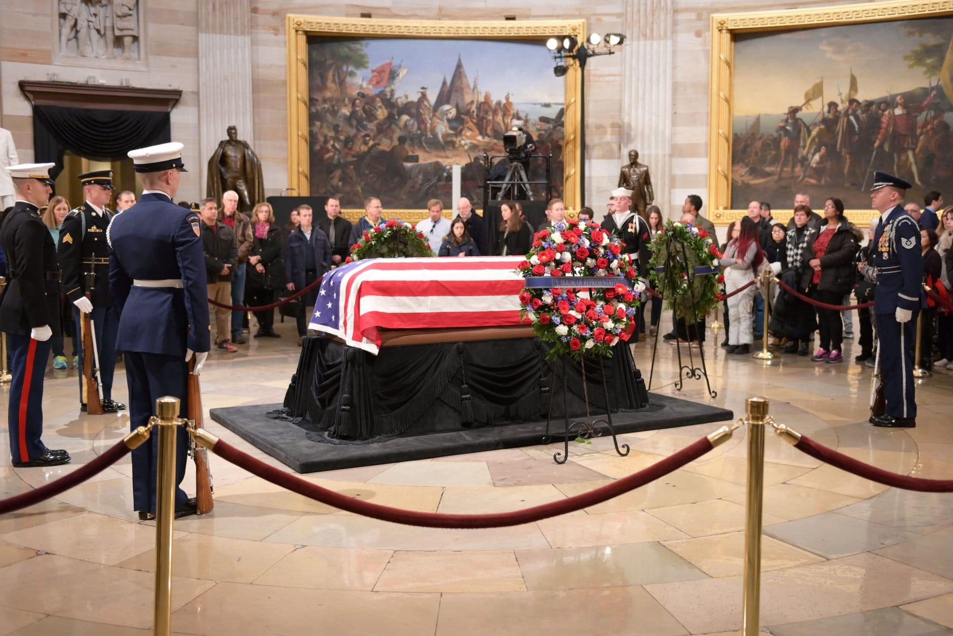 "President George H.W. Bush lying in state at the U.S. Capitol Rotunda. (Courtesy Shannon Finney/<a href=""https://www.shannonfinneyphotography.com/index"" target=""_blank"" rel=""noopener noreferrer"">shannonfinneyphotography.com</a>)"