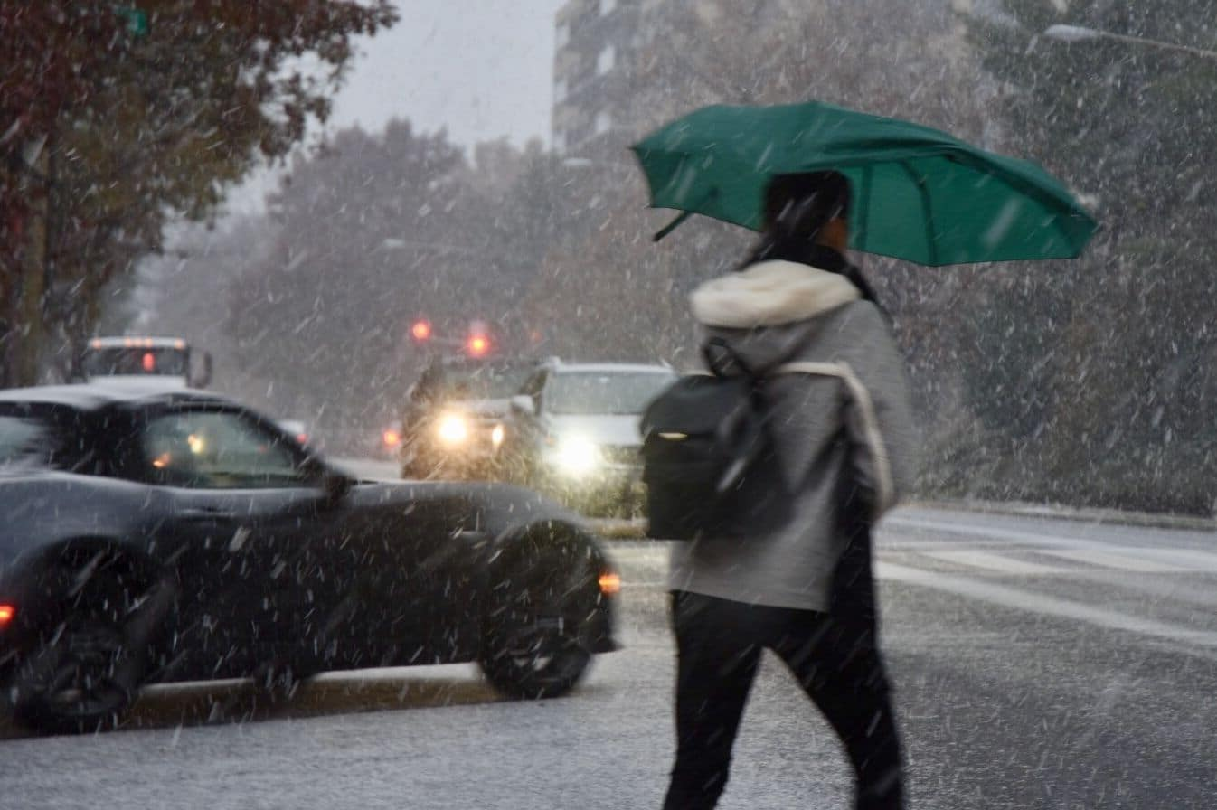 An unusual early season snowfall plastered the D.C. area on November 15. With 1.4 inches of snow measured at Reagan National Airport, it was the deepest November snowfall for Washington since 1989. The weather closed and delayed many school systems. More than 6 inches fell in Frederick County, Md. and Interstate 70 was impassable for a time with snow blamed for several accidents involving trucks. (WTOP/Dave Dildine)