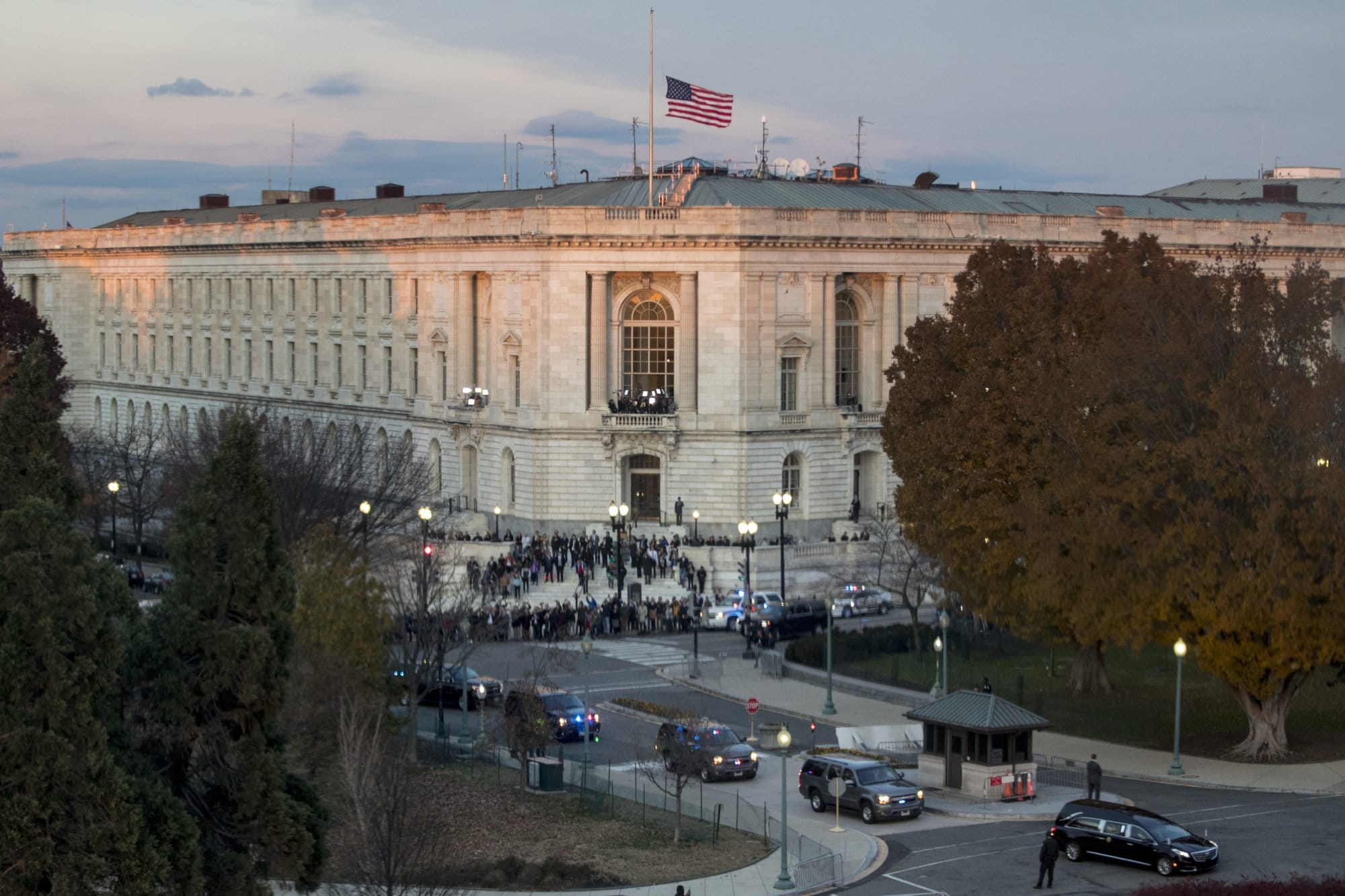 The hearse carrying the casket of former President George H.W. Bush, bottom right, arrives at the Capitol in Washington, Monday, Dec. 3, 2018. (AP Photo/Andrew Harnik)