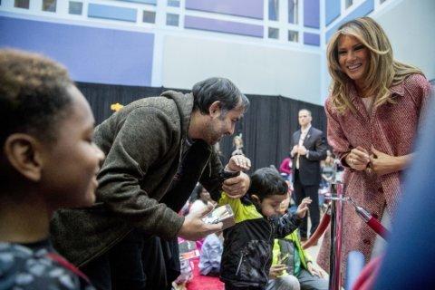 PHOTOS: Melania Trump makes Christmas visit to children's hospital