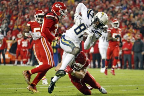 Healthy, confident Mike Williams coming up big for Chargers