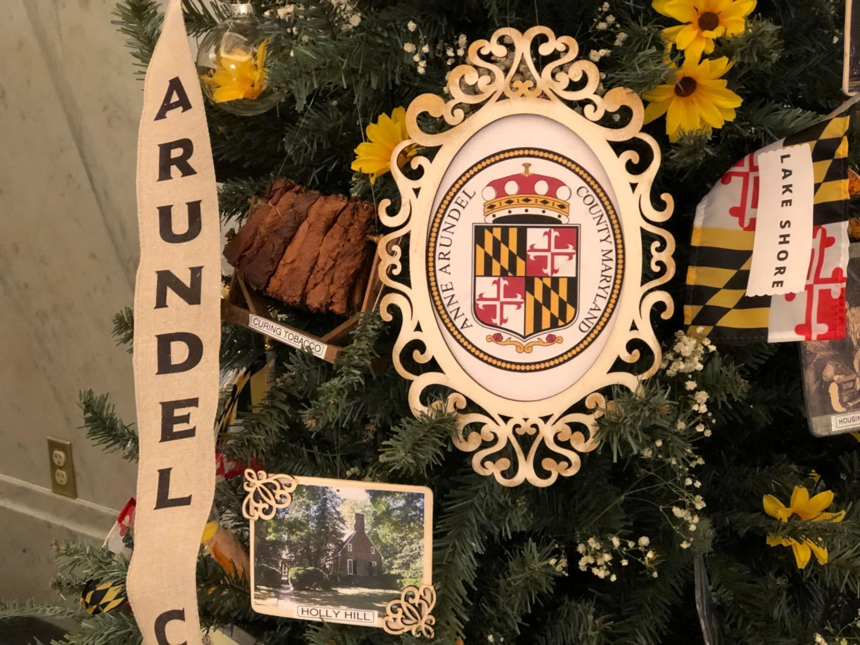 Another side of the Anne Arundel County-themed holiday tree on view at Maryland's State House in Annapolis, Md. (WTOP/Kate Ryan)