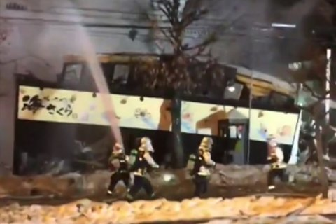 Suspected gas explosion destroys eatery in Japan, hurts 42