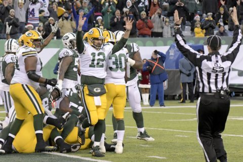 Rodgers leads Packers to wild 44-38 overtime win over Jets