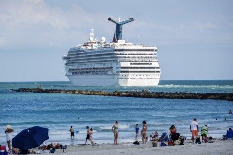 Coast Guard offloads 27,000 pounds of seized cocaine