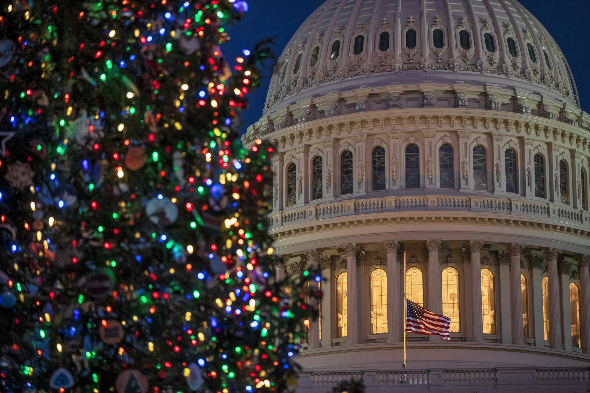 Federal Government Closed Christmas Eve 2021 Federal Workers Get Christmas Eve Off Wtop