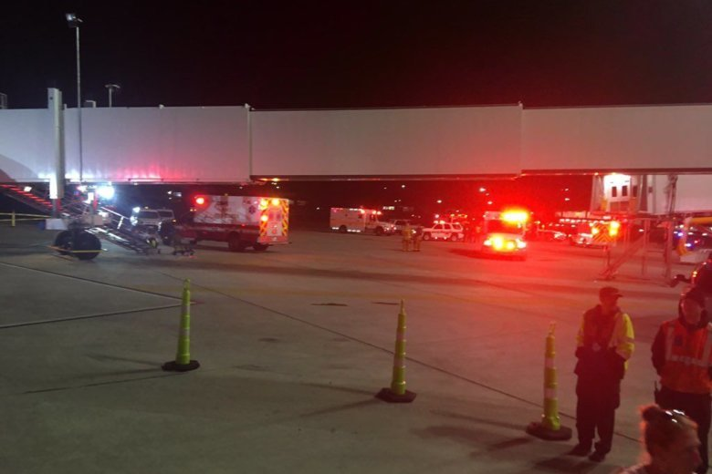 6 people injured at BWI Airport from partial jet bridge collapse