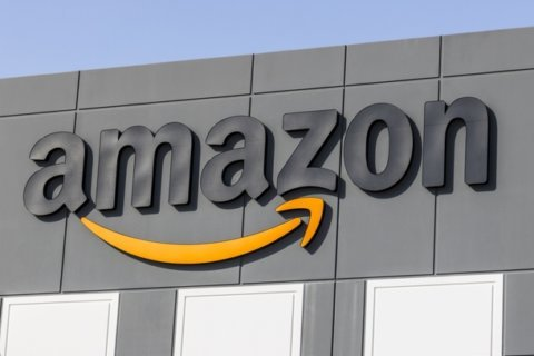 Amazon workers in Staten Island announce plans to unionize