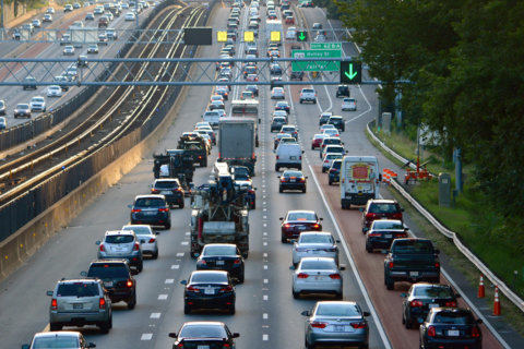 DC-area car commuters spend more than 100 hours a year in traffic, study finds