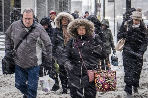 Midwest cities scramble to keep homeless from dangerous cold