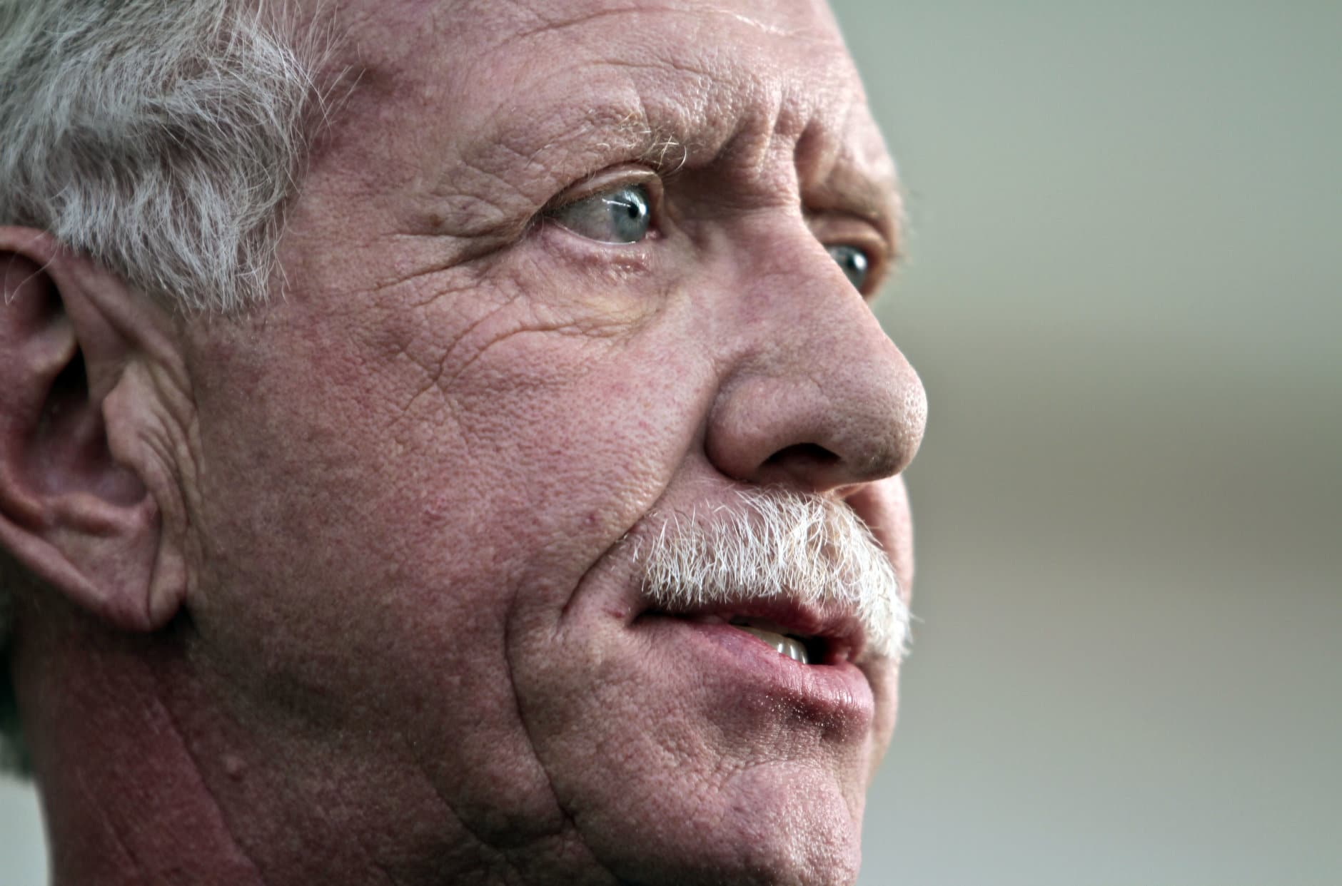 """Captain Chesley """"Sully"""" Sullenberger III, who safely piloted U.S. Airways Flight 1549 with155 passengers and crew to a water landing 5 years ago, speaks during a press conference on Wednesday, Jan. 15, 2014 in New York.  Sullenberger gathered with some survivors rescuers to mark the fifth anniversary of the event known as the """"miracle on the Hudson."""" (AP Photo/Bebeto Matthews)"""