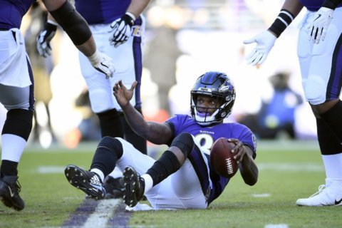 Ravens lose Lamar Jackson's playoff debut, 23-17 to Chargers