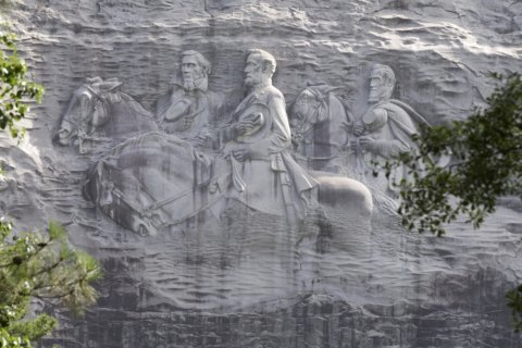 Groups using Super Bowl in push against Confederate statues