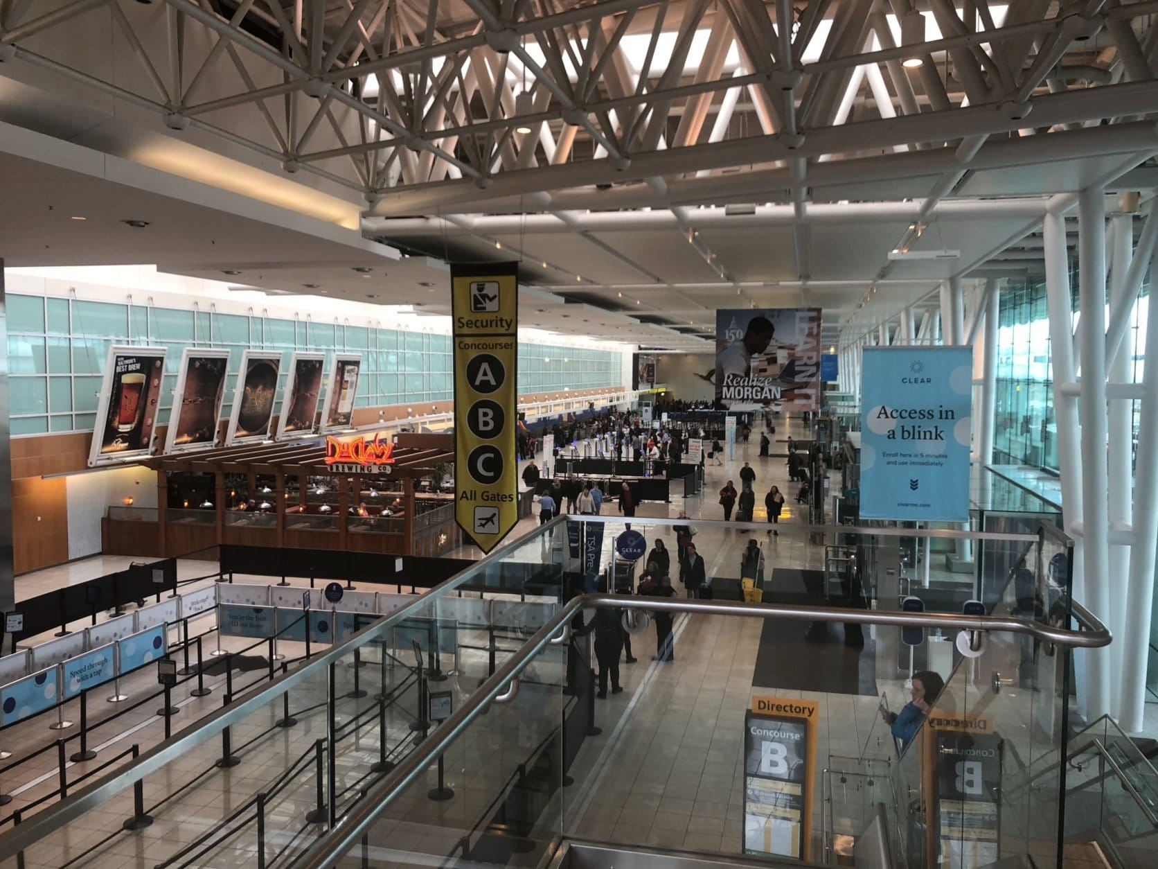 """Travelers flying out of BWI Marshall Airport this Martin Luther King Jr. weekend faced a longer wait time than usual at times after the Transportation Security Administration closed a checkpoint """"due to excessive callouts."""" (WTOP/Melissa Howell)"""