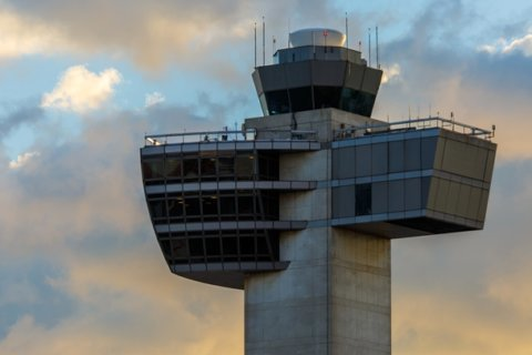 Air traffic controllers, already at 30-year low, feel government shutdown strain