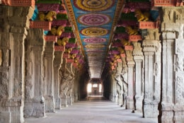 Inside of Meenakshi hindu temple in Madurai, Tamil Nadu, South India. (Getty Images/iStockphoto/saiko3p)