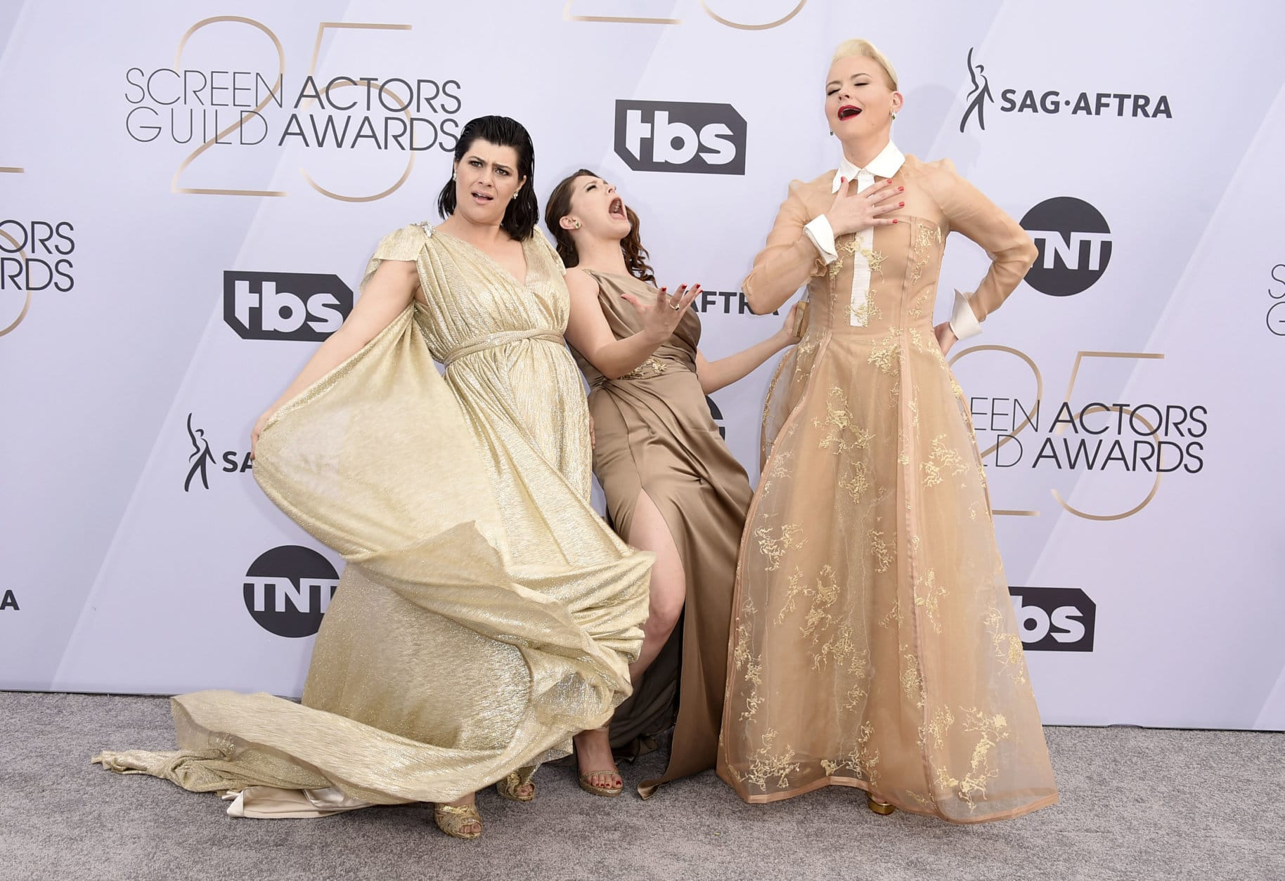 Rebekka Johnson, from left, Rachel Bloom, and Kimmy Gatewood arrive at the 25th annual Screen Actors Guild Awards at the Shrine Auditorium & Expo Hall on Sunday, Jan. 27, 2019, in Los Angeles. (Photo by Jordan Strauss/Invision/AP)