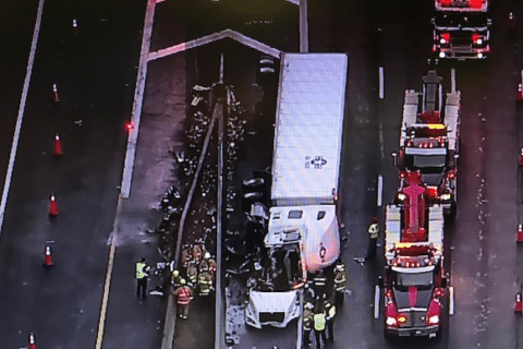 Tractor-trailer accident causes Dulles Toll Road problems
