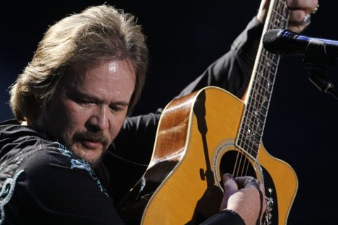 Here's a Quarter: Travis Tritt plays two solo sets this week at The Birchmere